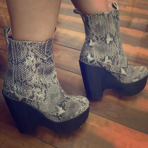 Jeffrey Campbell snakeskin Boots